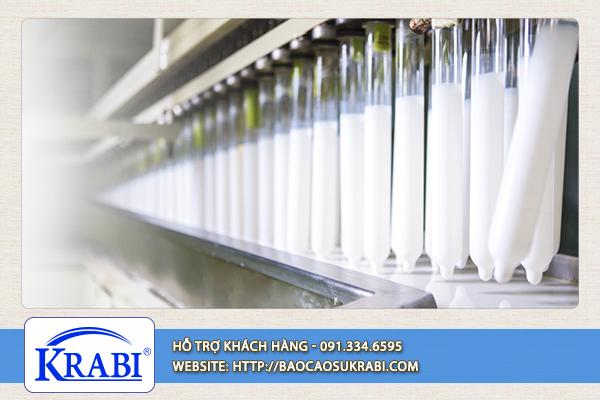 Bao cao su được làm từ 2 chất liệu chính là cao su tự nhiên và nhựa tổng hợp