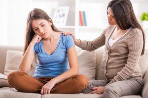 Ba mẹ nên làm gì khi trẻ vị thành niên có biểu hiện tâm lý tiêu cực?