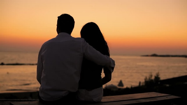 Đằng sau những câu chuyện vỡ oà cảm xúc của những cặp đôi có H - không H